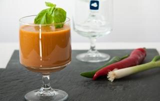 Fruchtige Tomatensuppe ohne Kochen im Standmixer zubereitet