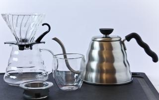 Hario Kaffeefilter, Kaffee von Hand aufgießen, mit Kanne, Carl Tode Göttingen