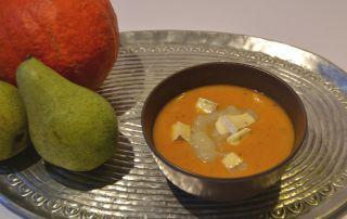 Kürbissuppe mit Birne und Gorgonzola, lecker und einfach, perfekt für den Herbst, Carl Tode Göttingen