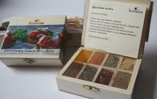 Entdecken sie die tollen Gewürzboxen von Feuer&Glas bei Carl Tode in Göttingen, spannende Gerichte zum Verschenken oder Selberkochen