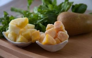 Gesunde Mahlzeit mit grünen Smoothies, Smoothie-Woche bei Carl Tode, Rucola und Feldsalat, Mango und Birne