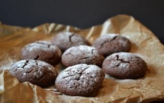 Göttingen präsentiert Keksrezept für die Weihnachtszeit, Kekse mit Schokolade und Kardamom, Weihnachtsbäckerei