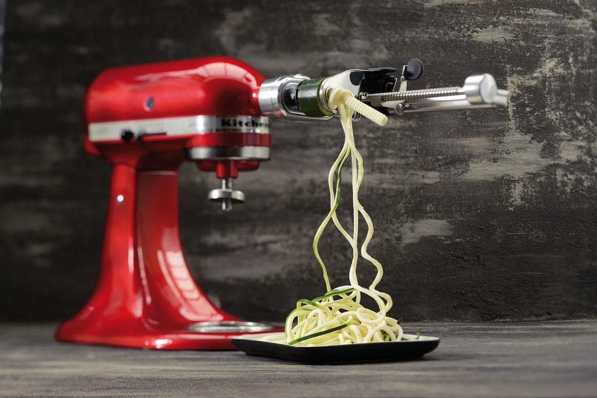 Zusammenstellung Aufsätze Kitchen Aid Küchenmaschine, Carl Tode ...