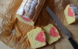 Kuchen mit eingebackenem Herz, Zitronenkuchen, Speisefarbe, Muttertag, Carl Tode Göttingen