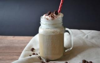 Leckerer Eiskaffee aus Cold Brew, Carl Tode Göttingen, Vanilleeis, Milch, Sahne