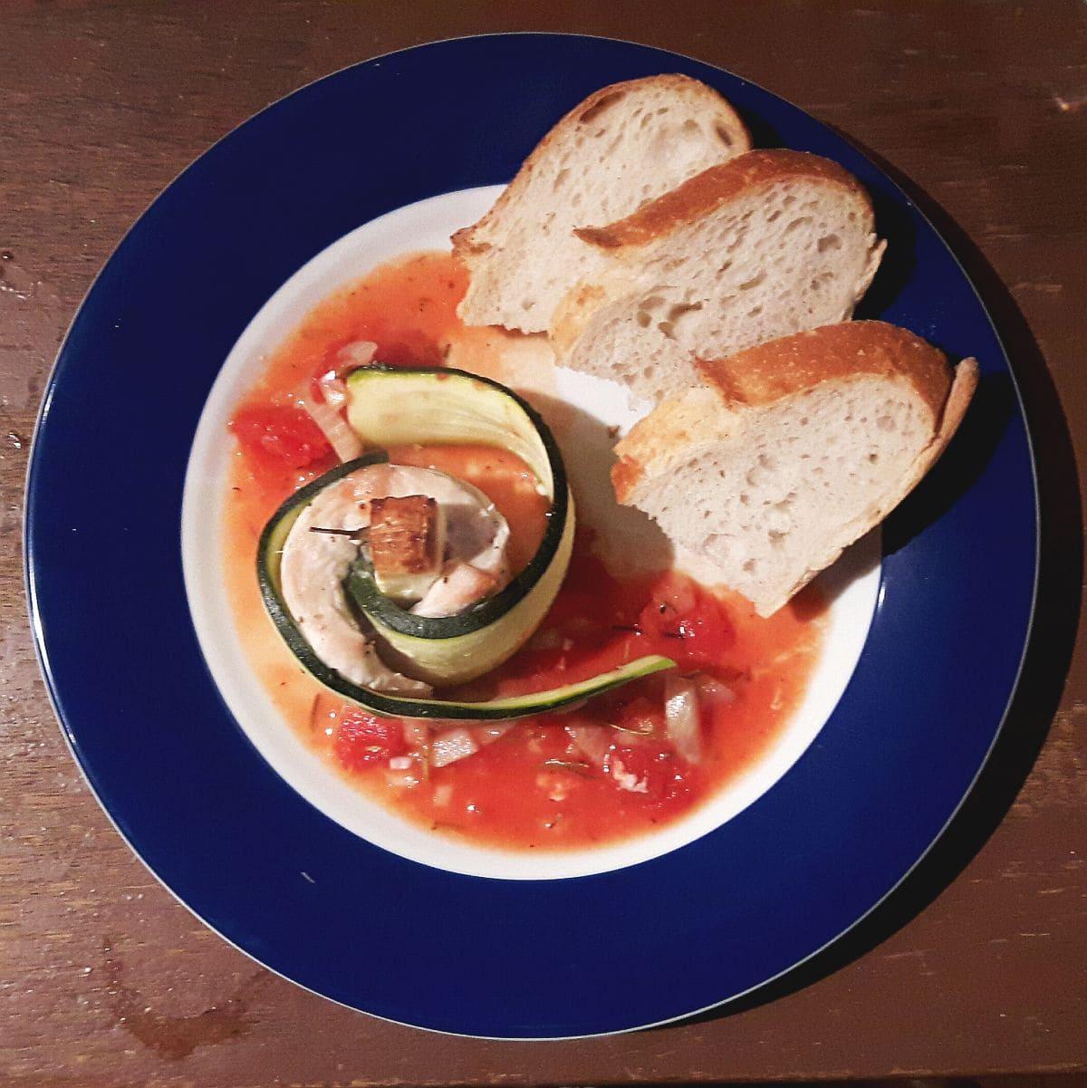 Rezept für Zucchiniröllchen, aus dem Ofen, mit Tomatensauce, Carl Tode Göttingen