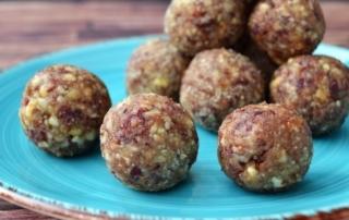 Carl Tode Göttingen, Rezept für Energyballs, mit Vanille und Cranberries, Mandeln, Cashews, gesund und lecker