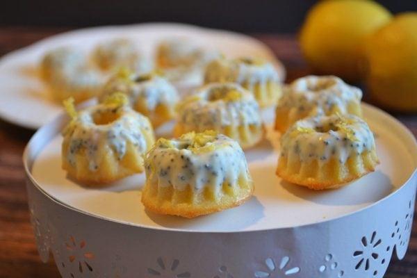 Mini Kuchen, Gugelhupf, Zitrone, mit Mohn, Glasur, klein und lecker, Rezept bei Carl Tode Göttingen