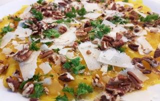 Rote Beete, gelbe Beete, Parmesan, Olivenöl, Walnüsse