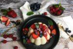 Grießpudding, Grießbrei, Grieß, Pudding, Beeren, Erdbeeren, Heidelbeeren, Blaubeeren, Himbeeren, Minze, Rezept, Carl Tode